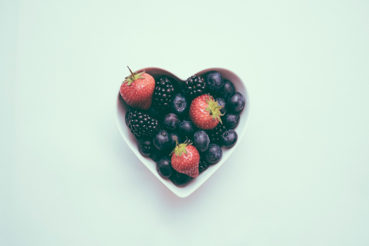 heart-berry-bowl-dietitian-mary-cranmerbyng