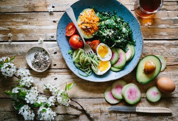 salad-bowl-brooke-lark-229136-unsplash-mcbnutritionandmovement